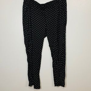 Old Navy Black & White Lightweight Woven Pants